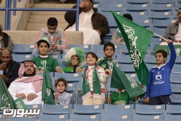 صور من الحضور الجماهيري في مدرجات مباراة السعودية و قطر