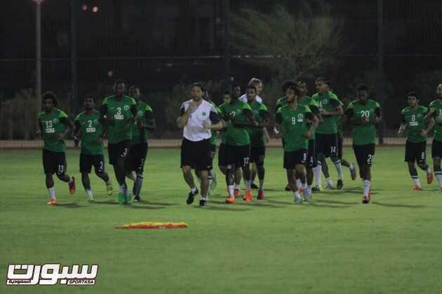 صور من تدريبات المنتخب السعودي الأول