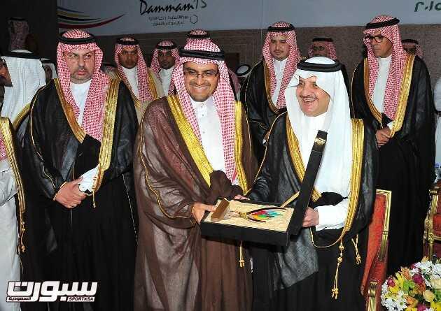الأمير سعود بن نايف يكرم شركة ارامكو السعودية الشريك الإستراتيجي للجنة الأولمبية العربية السعودية