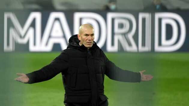 ريال مدريد يبحث مدافع جديد