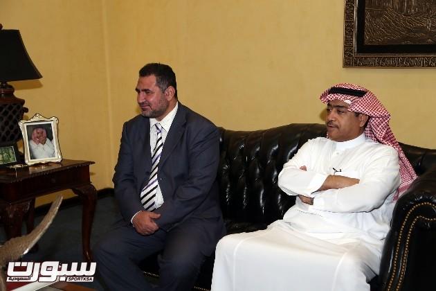 رئيس النصر يستقبل الرئيس التنفيذي لموسوعة التميز